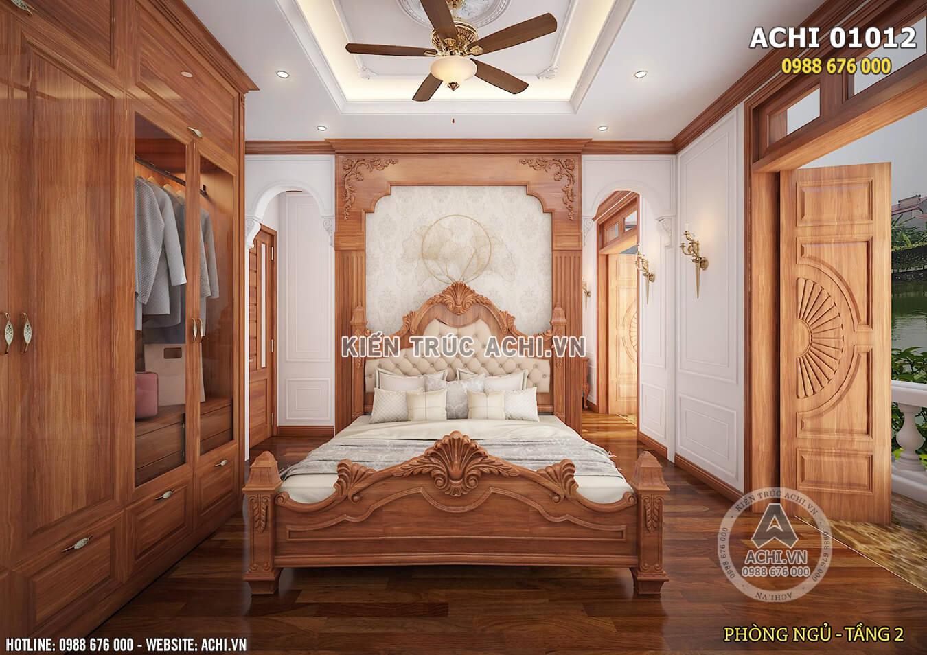 Không gian nội thất phòng ngủ tầng 2 với chất liệu gỗ ấn tượng