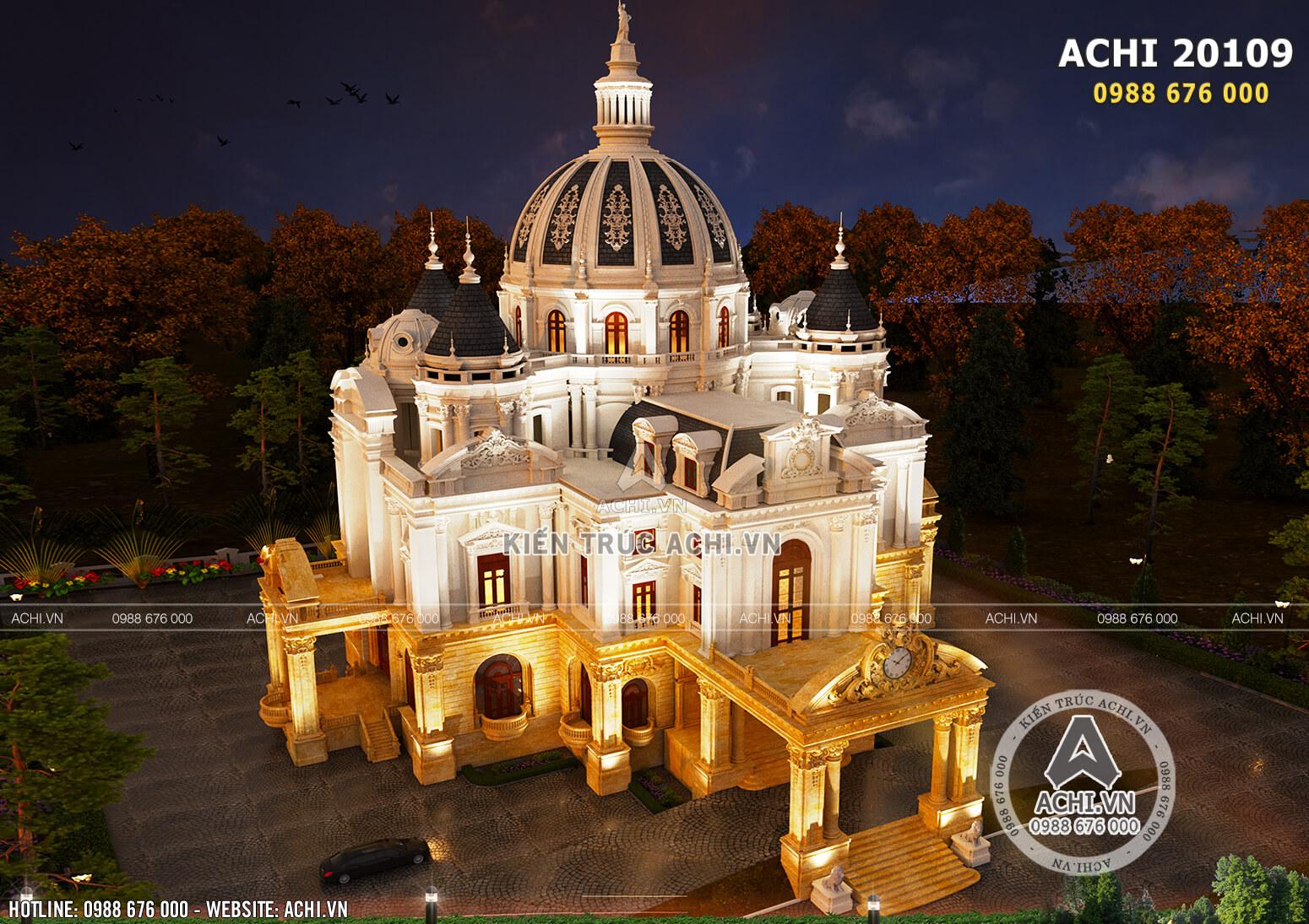 Không gian lung linh, huyền ảo của mẫu thiết kế biệt thự kiểu lâu đài vô cùng tráng lệ khi về đêm